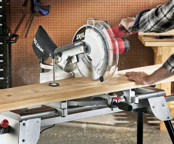 SKIL 3821-01 Compound Miter Saw