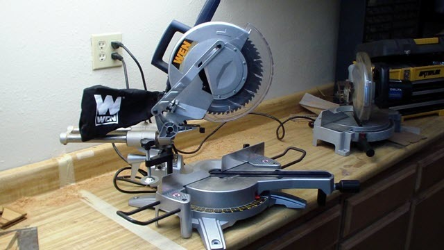 WEN 70712 Sliding Compound Miter Saw