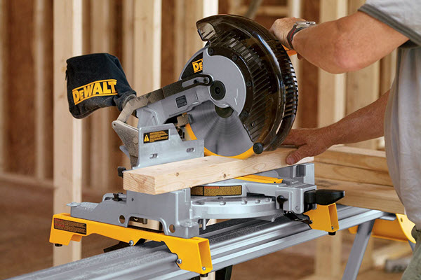 DEWALT DW713 10 inch Single Bevel Miter Saw
