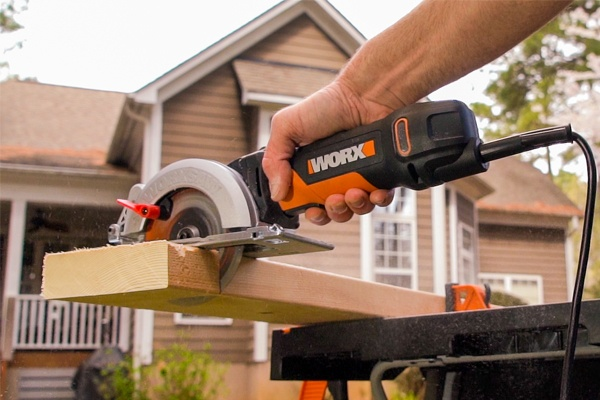 Considering Circular Saw Features